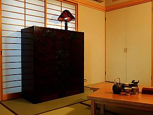 le vrai meuble japonais id es d 39 agencement. Black Bedroom Furniture Sets. Home Design Ideas