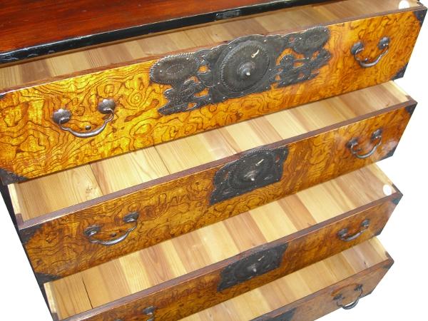 Le vrai meuble japonais ki ta 0775 lb bc for Meuble japonais traditionnel